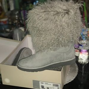 Grey Lida Ugg Boot for Spring weather 😍